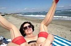 Extreem anal en vaginaal matuberen in de buitenlucht