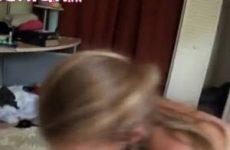 De twee vriendinnen genieten van de geile neukt beurt